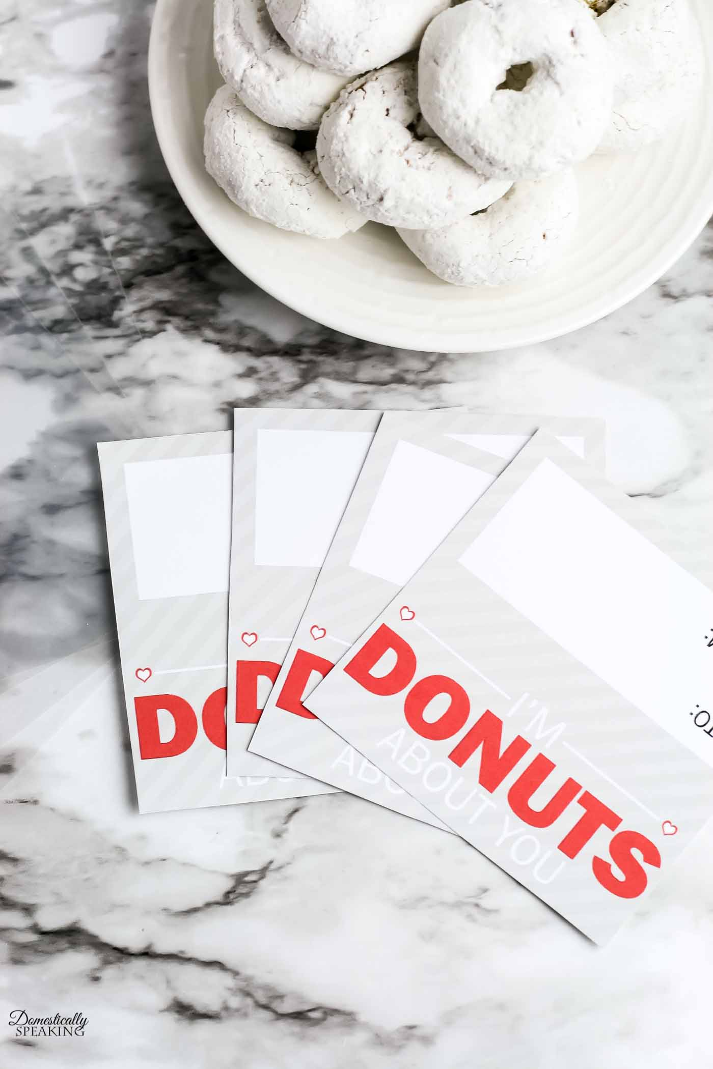 Free Donut Valentine Printable with directions on how to put these gift bags together!