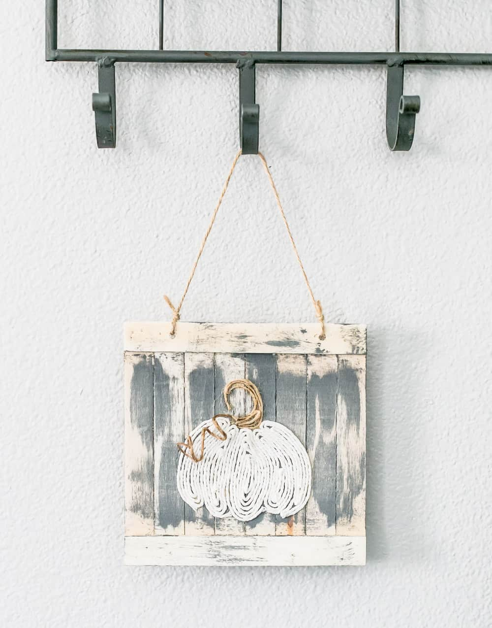 DIY Twine Pumpkin Sign is a fun, fall craft. It's easy to make and great to add to your fall decor.