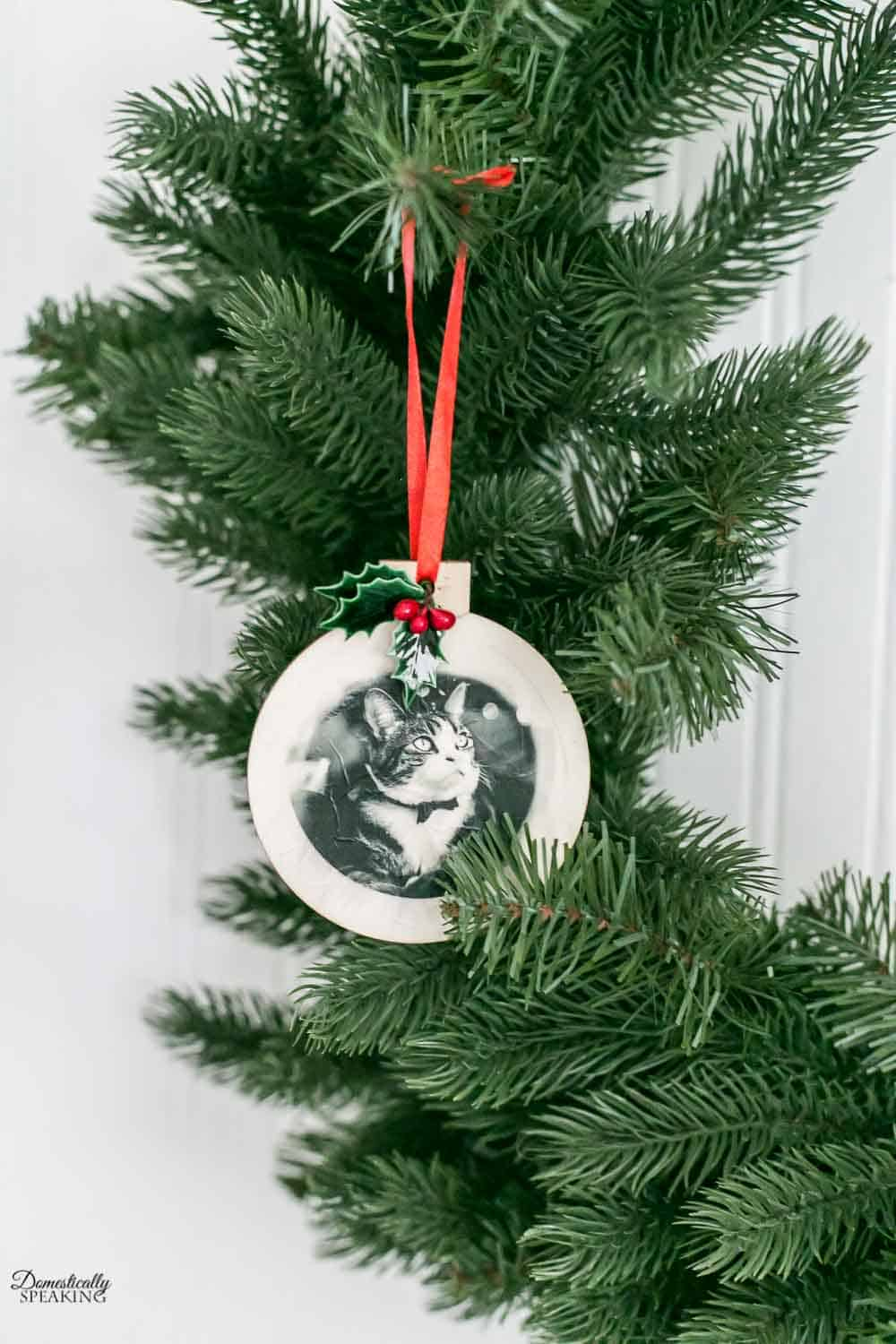 Tissue Paper Printed Christmas Ornaments make a great, sentimental gift - an easy Christmas craft that's budget friendly too.